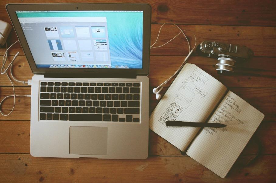 home-office-336581_1920.jpg